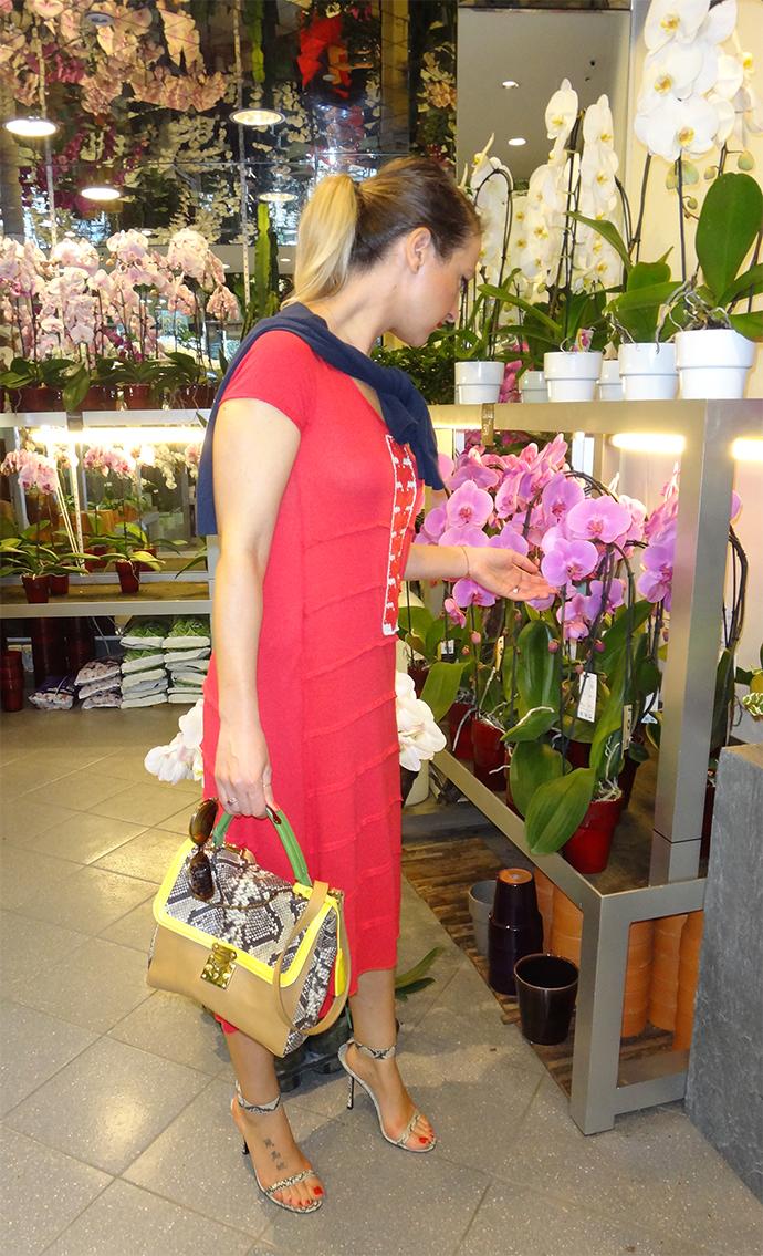 Blouse traditionnelle roumaine et accessoires