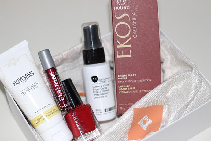 Cinq produits dans la boîte Birchbox