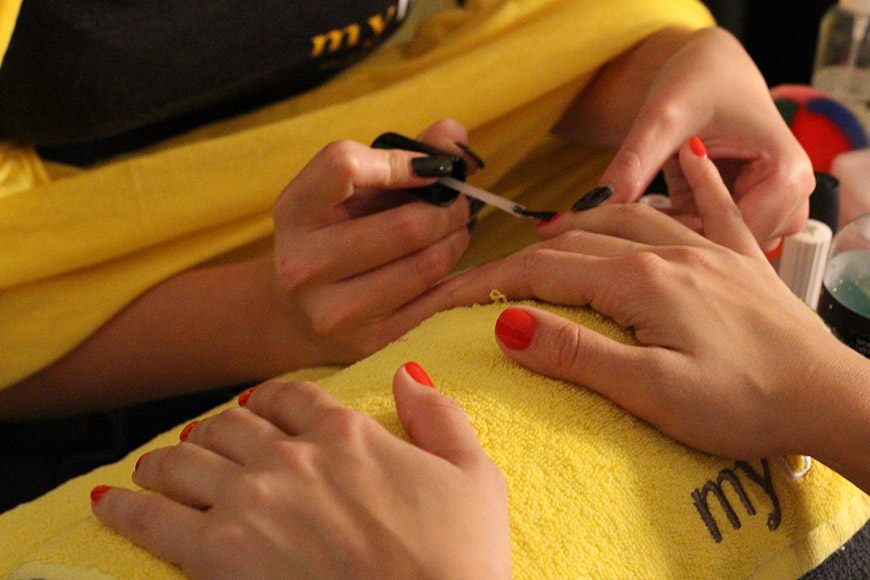 Manicure on The Spot