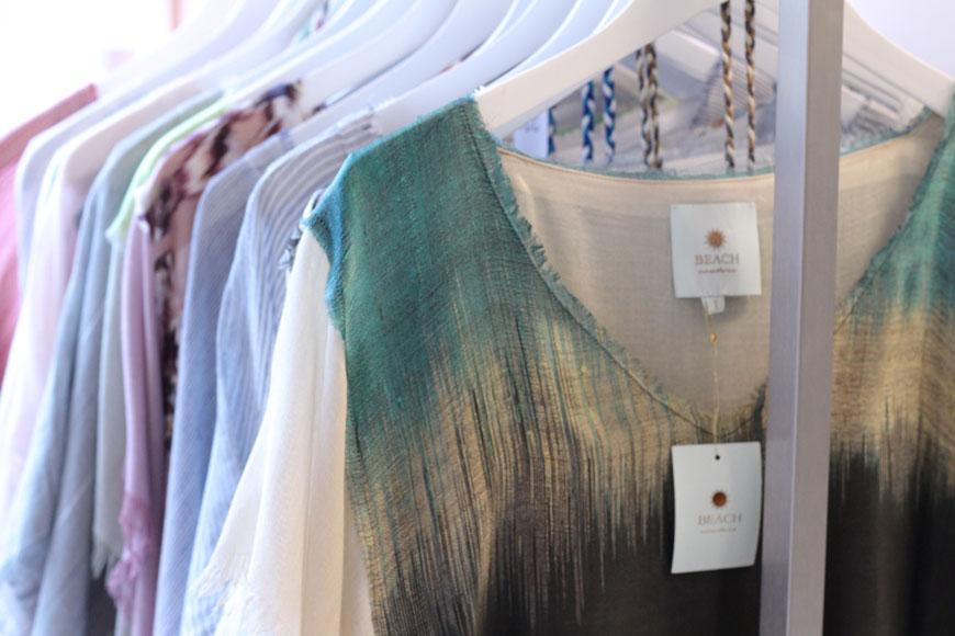 Tuniques légères et luxueuses de Beach Couture