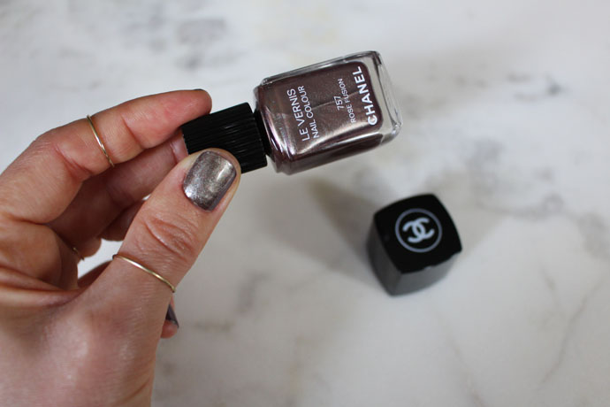 Chanel Le Vernis Nail Colour in 757 Rose Fusion