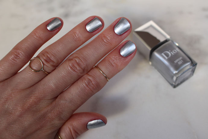 Dior in Miroir 001 - Light Silver Chrome with Mirror Finish