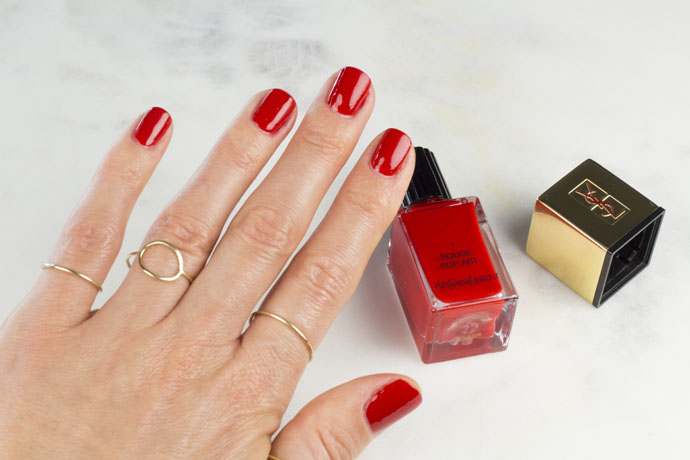 Manicure Made with Yves-Saint-Laurent La Laque Couture Holiday Collection 1 Rouge Pop Art