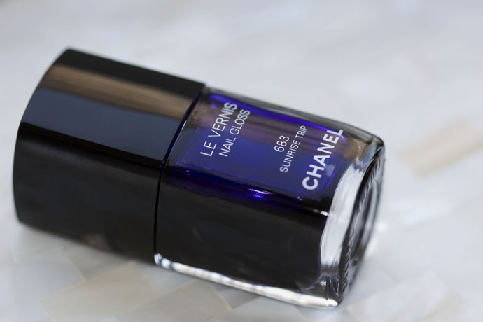 Le Vernis Nail Gloss in 683 Sunrise Trip by Chanel