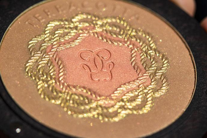 Guerlain | Terracotta Pause d'Eté Collector Bronzing Powder Duo (Detail in Direct Sunlight)