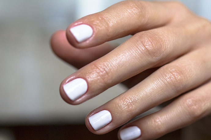 Essie | Coconut Cove (manicure)