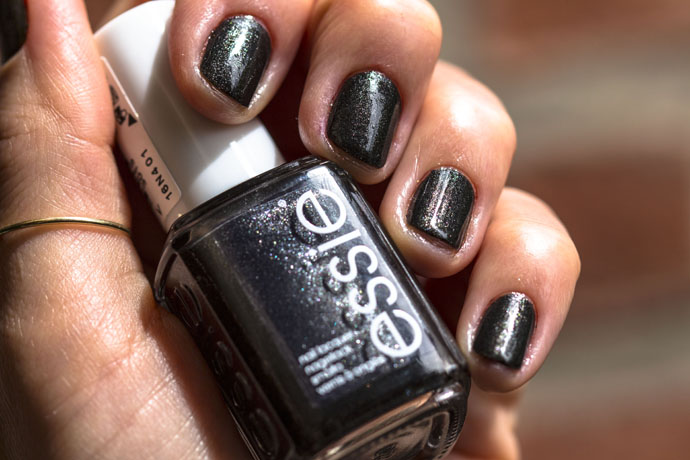 Essie | Tribal Text-Styles