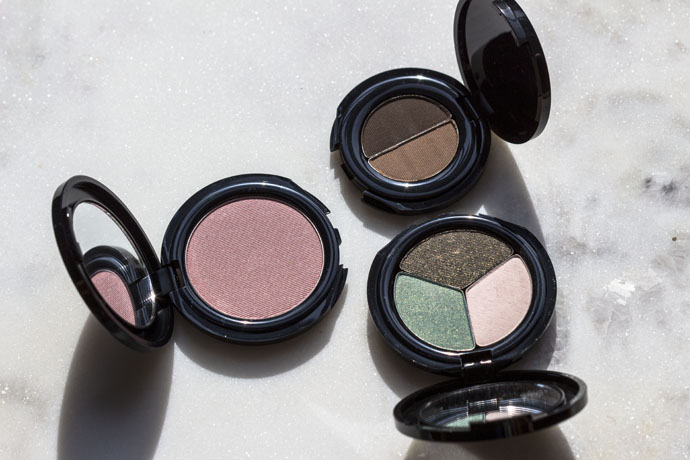 Glō Minerals | Blush, Eye Shadow Trio, Brow Powder Duo (in direct sunlight)