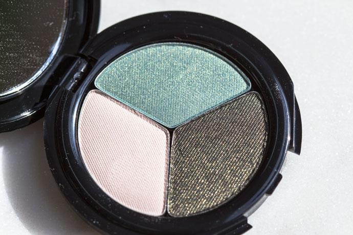 Glō Minerals | Eye Shadow Trio (detail in direct sunlight)