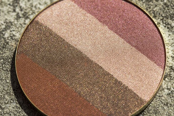 Jane Iredale | SunBeam Bronzer Refill (detail)
