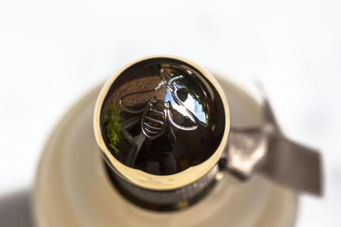 Guerlain | Eau de Cashmere (cap detail)