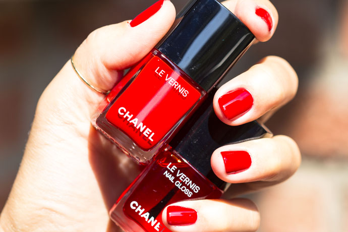 Chanel | Le Vernis Longwear Nail Colour 528 Rouge Puissant & Le Vernis Nail Gloss 530 Rouge Radical