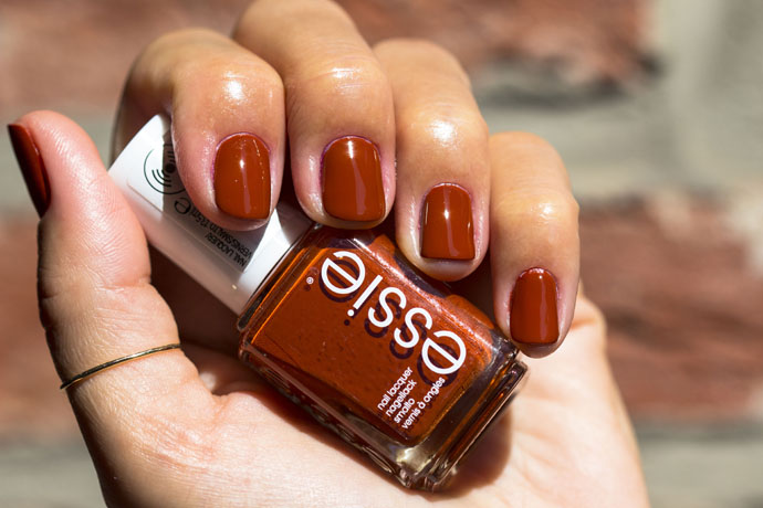 Essie | Fall Collection 2016 - playing koi (swatch)