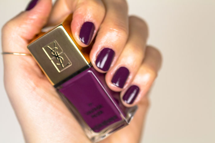 YSL | Scandal Collection La Laque Couture in N° 77 Vintage Plum (swatch)