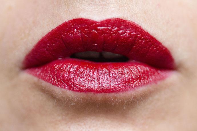 Jane Iredale   Puremoist Lipstick in Cindy (swatch)
