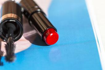 Guerlain | La Petite Robe Noire Deliciously Shiny Lip Colour in 023 Ruby Ring