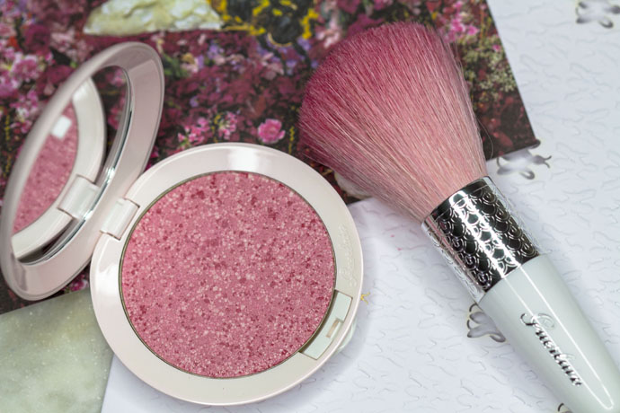 Guerlain | Météorites Happy Glow Blush & Météorites Powder Brush