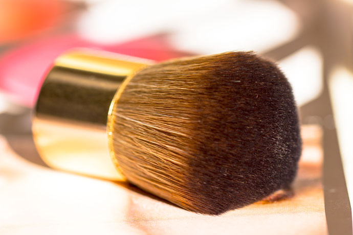 Sisley | Mini Kabuki Brush (detail)