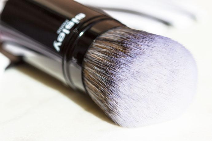 Sisley | Phyto-Touche Kabuki Brush (detail)