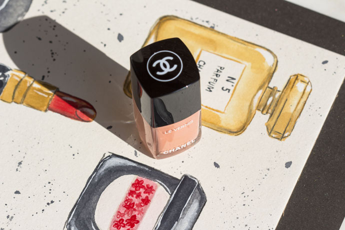 Chanel | Collection Cruise 2017 Le Vernis Longue Tenue in 560 Coquillage