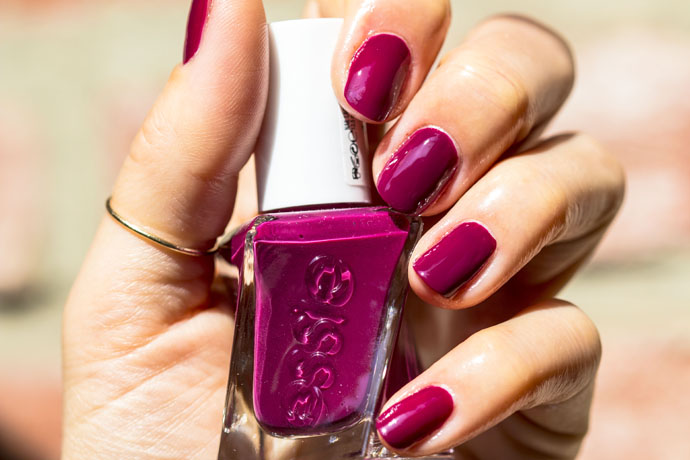 Essie Gel Couture Brida Berry In Love