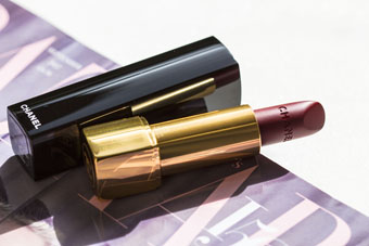 CHANEL | ROUGE ALLURE VELVET in NIGHTFALL