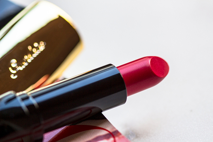 Guerlain   Holiday 2017 Makeup Collection - Rouge G N°822 Glamorous Cherry